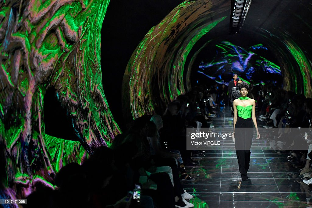 Balenciaga : Runway - Paris Fashion Week Womenswear Spring/Summer 2019 : News Photo