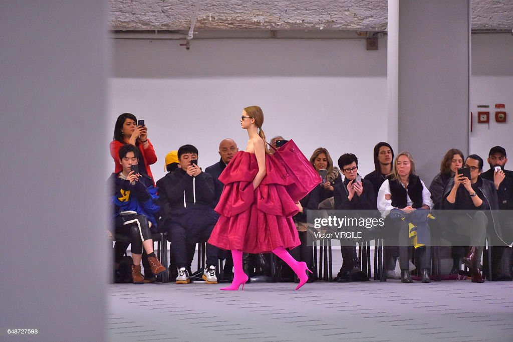A model walks the runway during the Balenciaga Ready to Wear fashion show as part of the Paris Fashion Week Womenswear Fall/Winter 2017/2018 on March 5, 2017 in Paris, France.