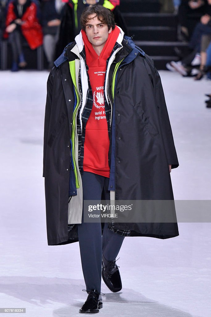 Balenciaga - Paris Fashion Week Womenswear Fall/Winter 2018/2019 : News Photo