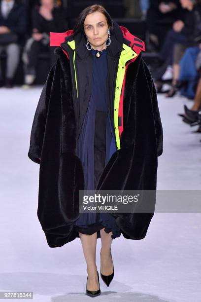 A model walks the runway during the Balenciaga Ready to Wear Fashion show as part of the Paris Fashion Week Womenswear Fall/Winter 2018/2019 on March...