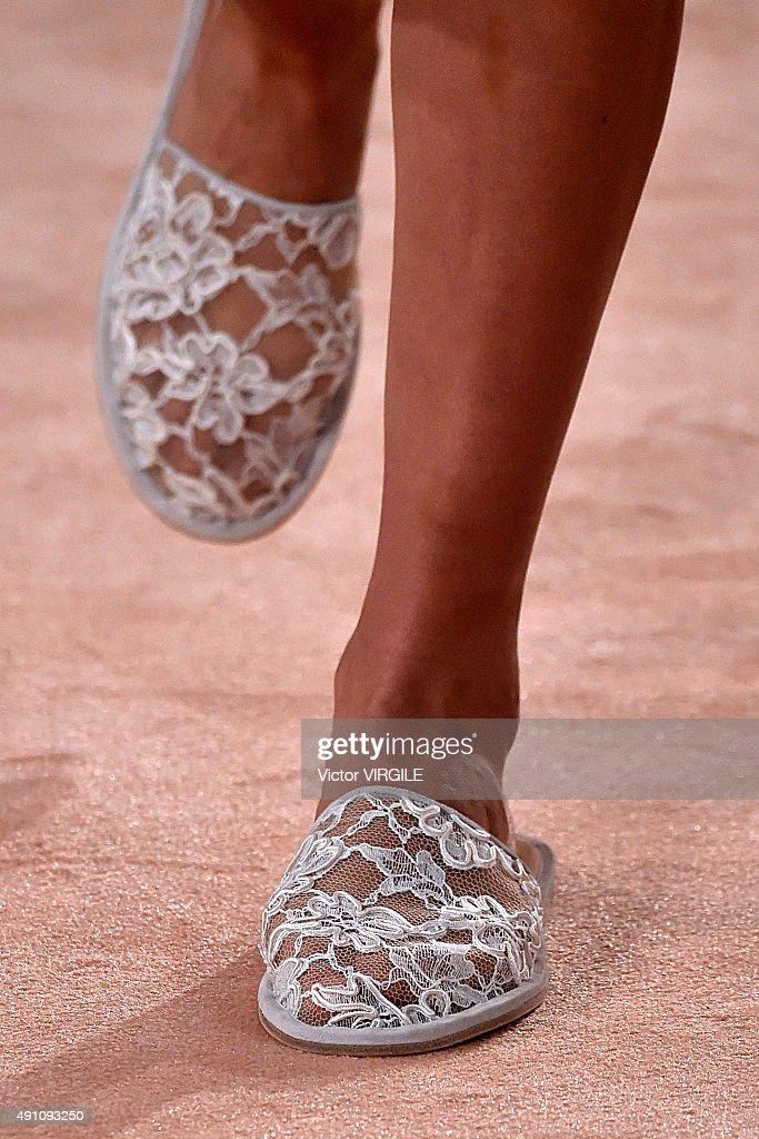 Balenciaga : Runway - Paris Fashion Week Womenswear Spring/Summer 2016 : News Photo
