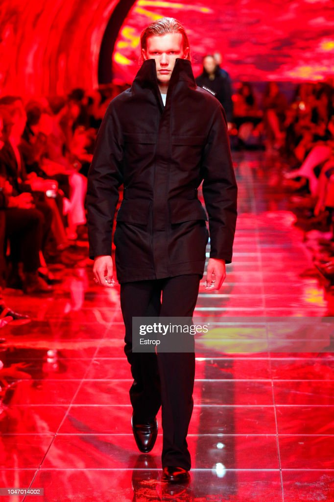 Balenciaga : Runway - Paris Fashion Week Womenswear Spring/Summer 2019 : Fotografia de notícias
