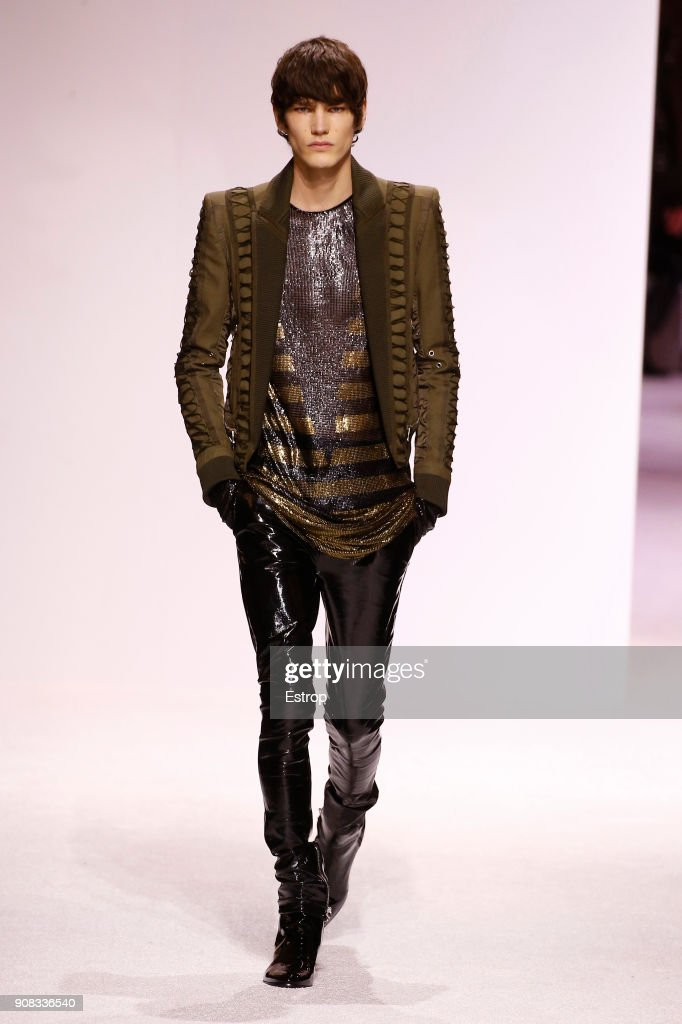 Balmain Homme : Runway - Paris Fashion Week - Menswear F/W 2018-2019 : Fotografía de noticias