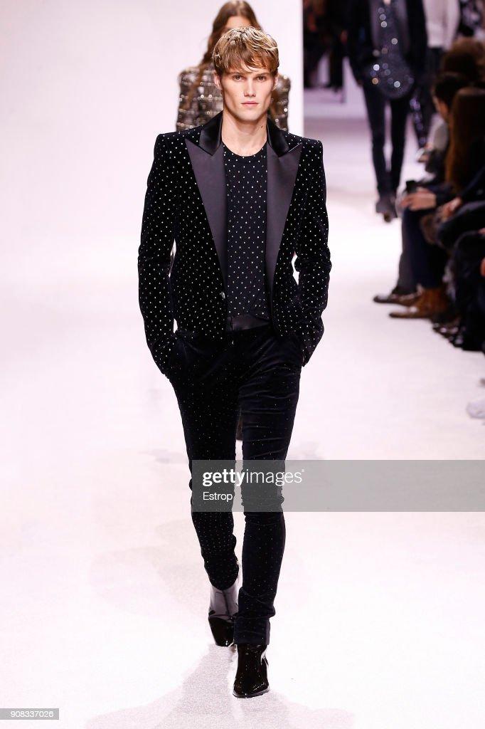 Balmain Homme : Runway - Paris Fashion Week - Menswear F/W 2018-2019 : Nachrichtenfoto