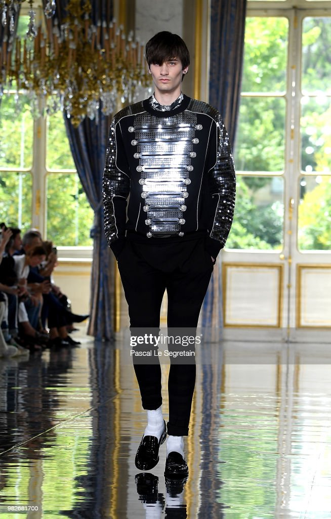 A model walks the runway during the Balmain Menswear Spring/Summer 2019 show as part of Paris Fashion Week on June 24, 2018 in Paris, France.