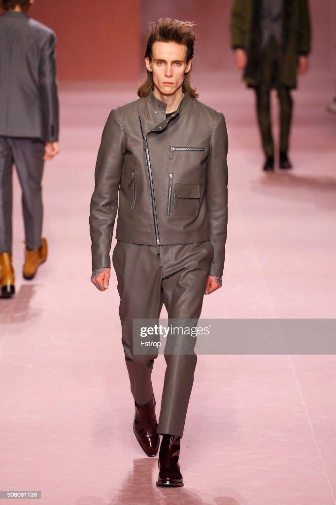 Berluti : Runway - Paris Fashion Week - Menswear F/W 2018-2019 : Nachrichtenfoto