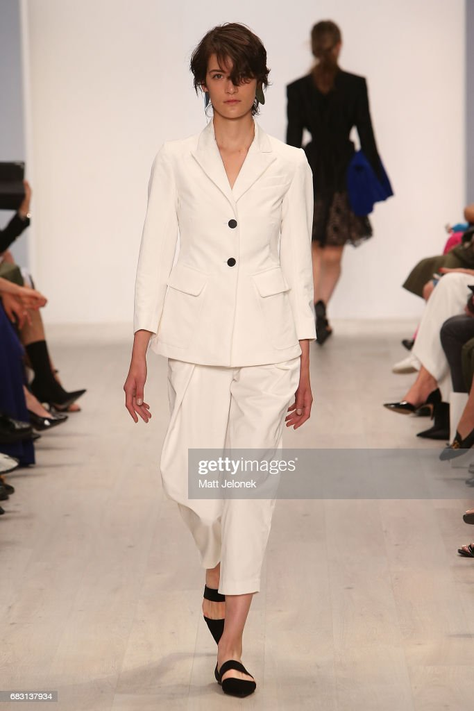 Bianca Spender - Runway - Mercedes-Benz Fashion Week Australia 2017 : News Photo