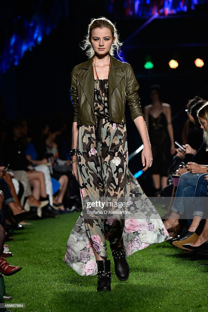 Blugirl - Runway - Milan Fashion Week Womenswear Spring/Summer 2015 : News Photo
