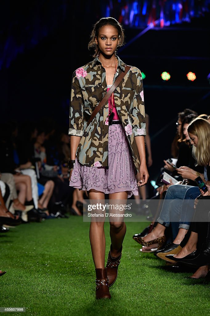 Blugirl - Runway - Milan Fashion Week Womenswear Spring/Summer 2015 : News Photo