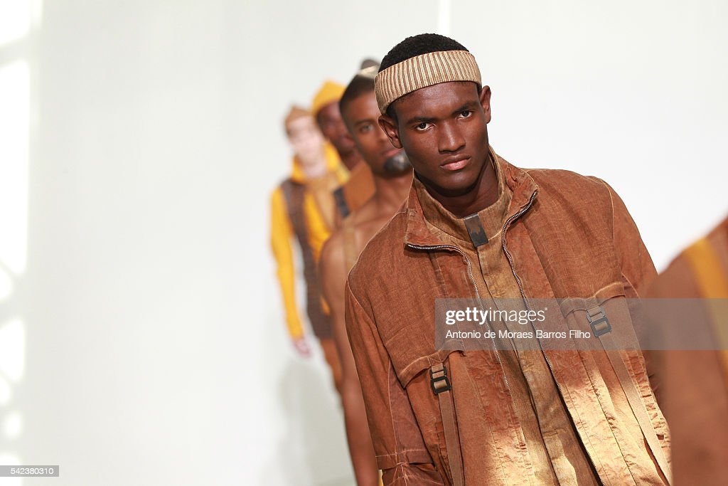 Boris Bidjan Saberi : Runway - Paris Fashion Week - Menswear Spring/Summer 2017 : News Photo