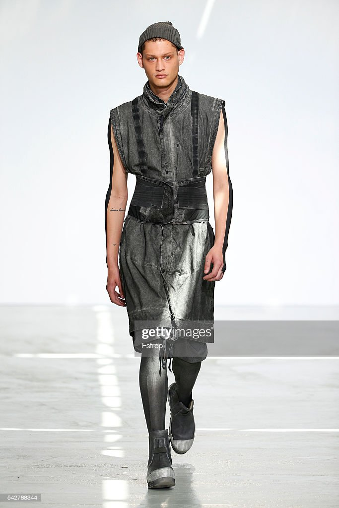 Boris Bidjan Saberi : Runway - Paris Fashion Week - Menswear Spring/Summer 2017 : News Photo