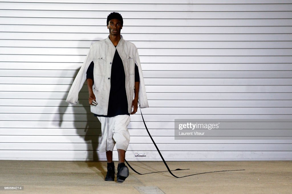 Boris Bidjan Saberi: Runway - Paris Fashion Week - Menswear Spring/Summer 2019 : Fotografia de notícias