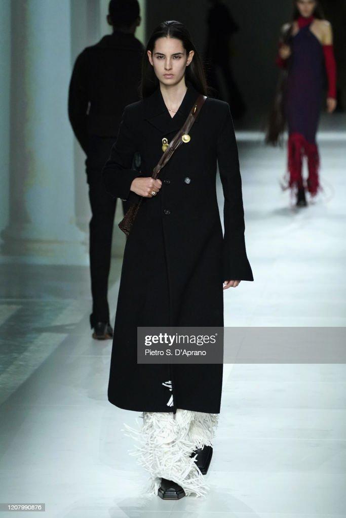 Bottega Veneta - Runway - Milan Fashion Week Fall/Winter 2020-2021 : Fotografía de noticias