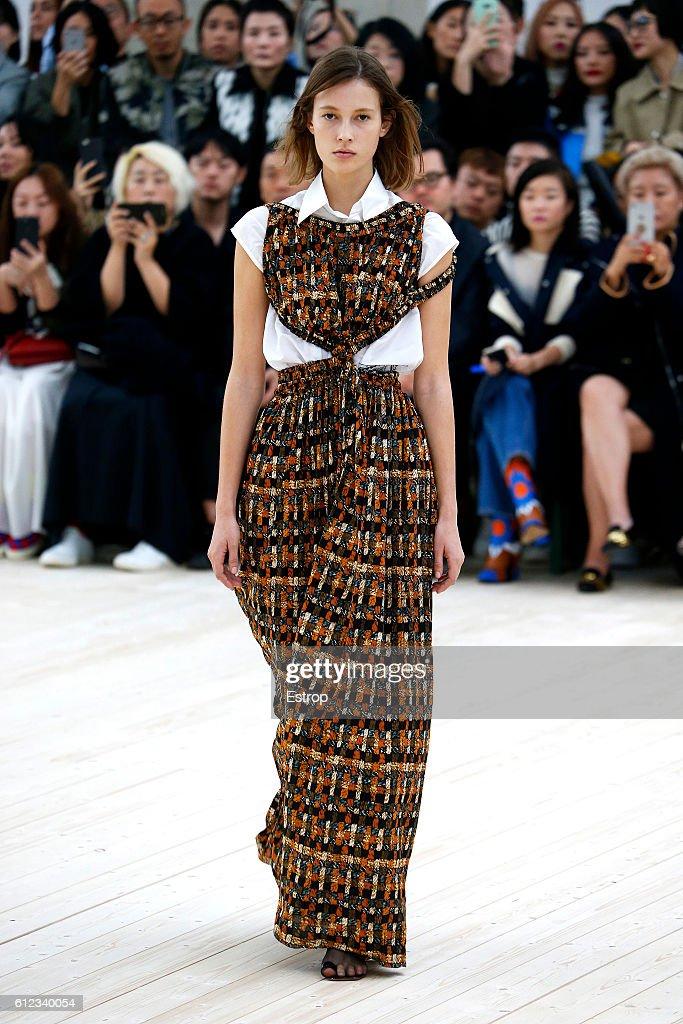 Celine : Runway - Paris Fashion Week Womenswear Spring/Summer 2017 : News Photo