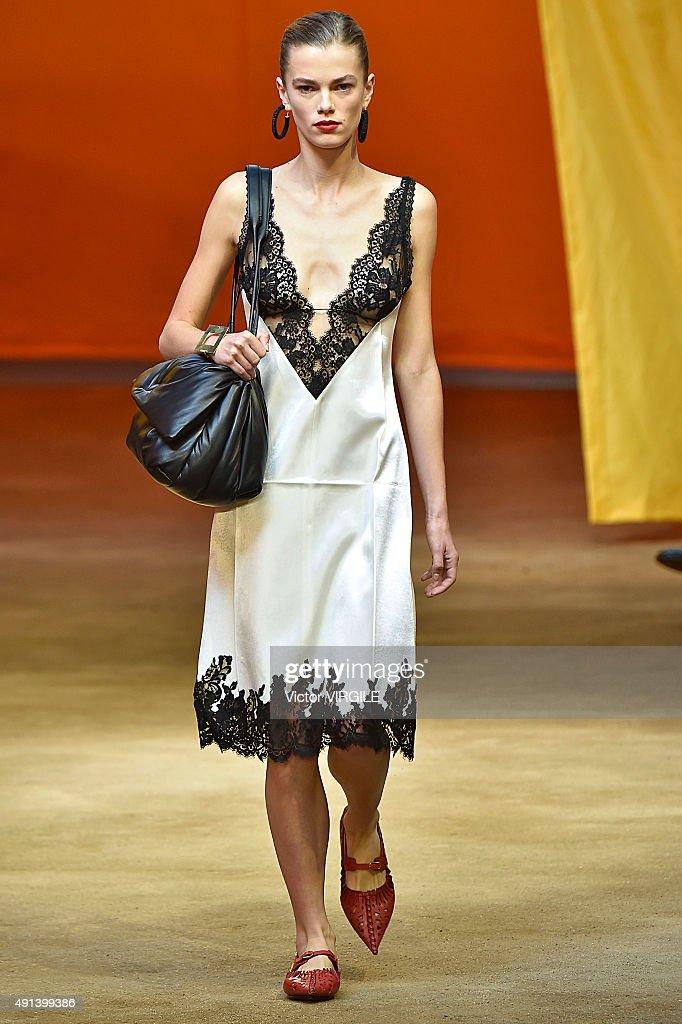 Celine : Runway - Paris Fashion Week Womenswear Spring/Summer 2016 : News Photo