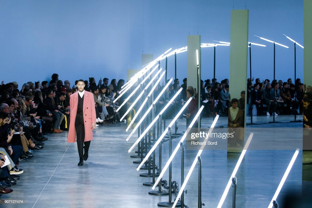 Cerruti 1881 : Runway - Paris Fashion Week - Menswear F/W 2018-2019