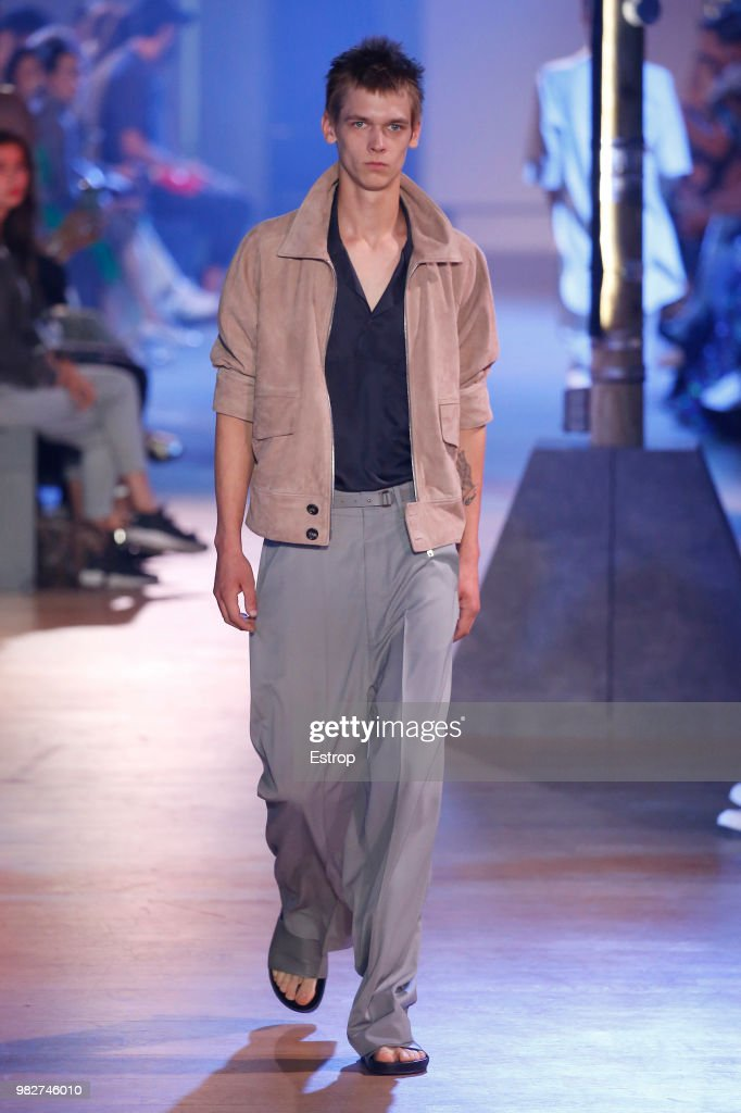 Cerruti 1881: Runway - Paris Fashion Week - Menswear Spring/Summer 2019 : Fotografia de notícias