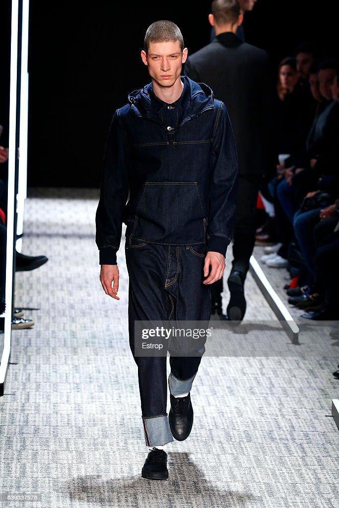 Cerruti : Runway - Paris Fashion Week - Menswear F/W 2017-2018 : News Photo