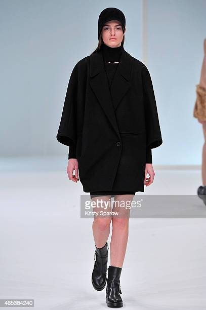 Model walks the runway during the Chalayan show as part of Paris Fashion Week Womenswear Fall/Winter 2015/2016 at Palais Des Beaux Arts on March 6,...