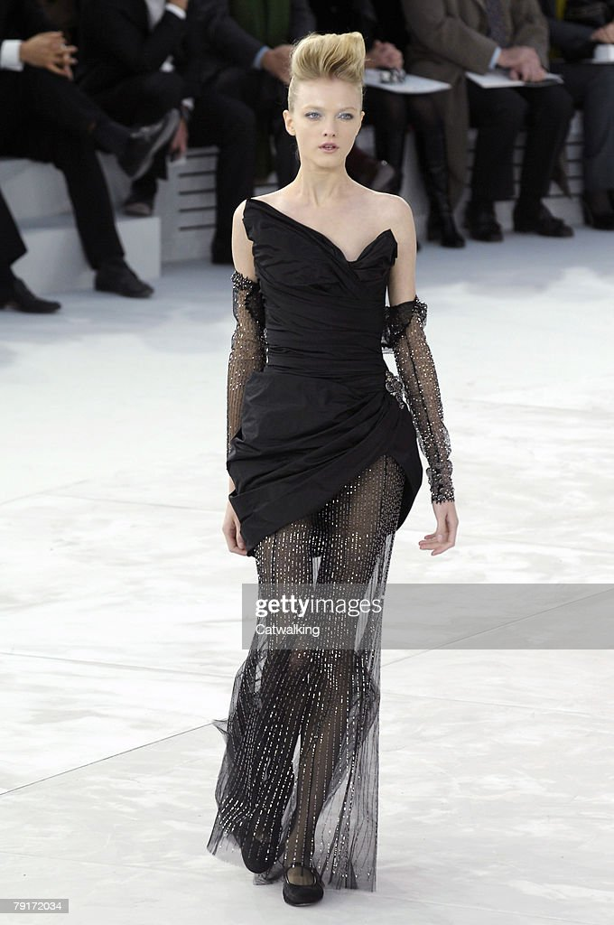 Chanel Fashion Show – Haute Couture Spring-Summer 2008