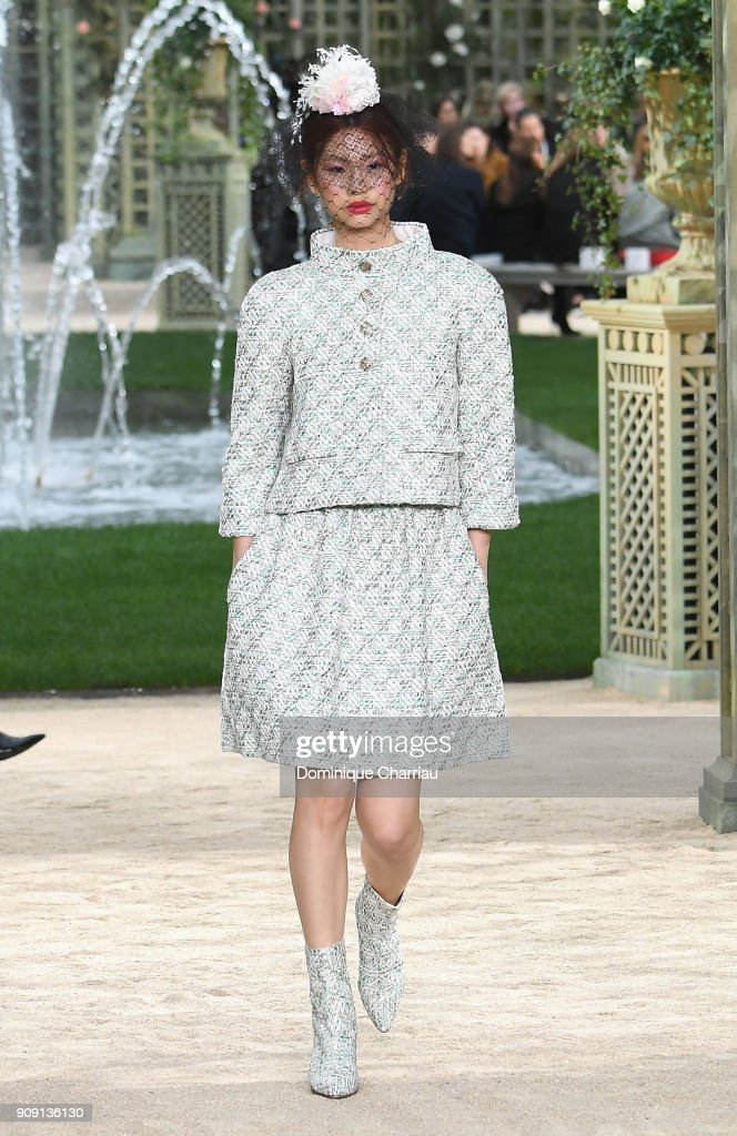 Chanel : Runway - Paris Fashion Week - Haute Couture Spring Summer 2018