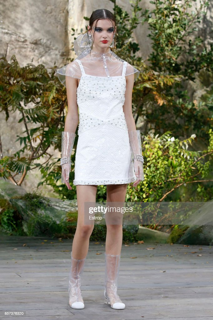 Chanel : Runway - Paris Fashion Week Womenswear Spring/Summer 2018 : ニュース写真