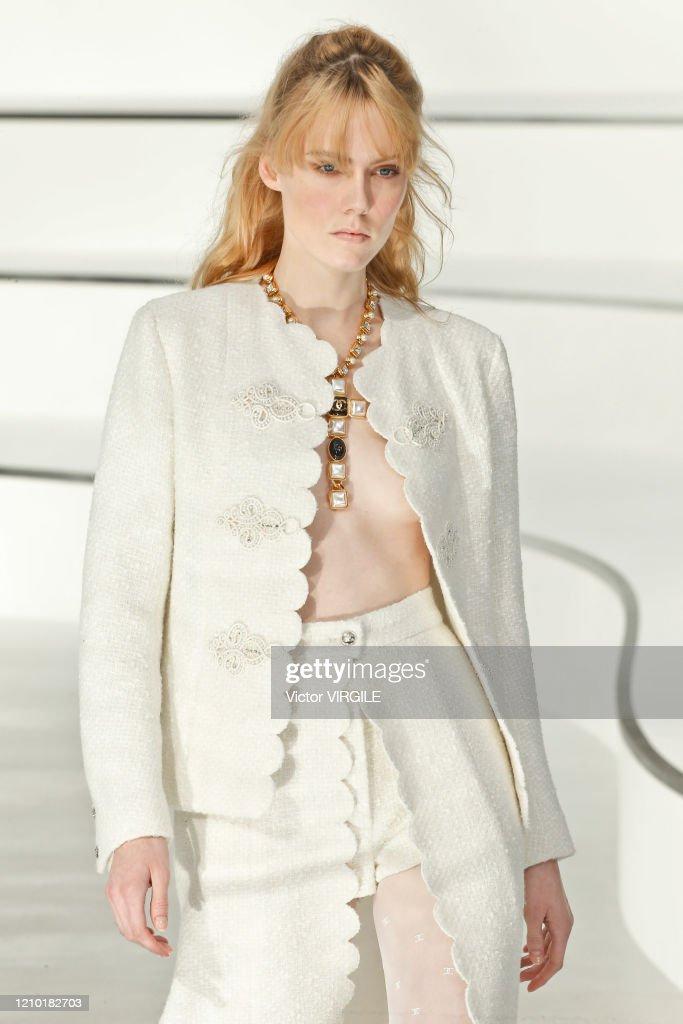 Chanel : Runway - Paris Fashion Week Womenswear Fall/Winter 2020/2021 : News Photo