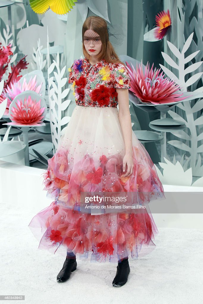 Chanel : Runway - Paris Fashion Week - Haute Couture S/S 2015 : News Photo