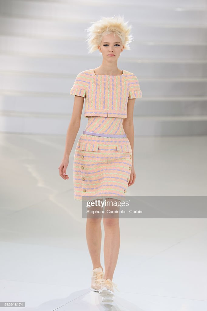 France - Chanel : Runway - Paris Fashion Week - Haute Couture S/S 2014