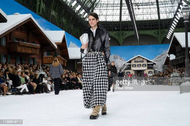 Model walks the runway during the Chanel show as part of the Paris Fashion Week Womenswear Fall/Winter 2019/2020 on March 05, 2019 in Paris, France.