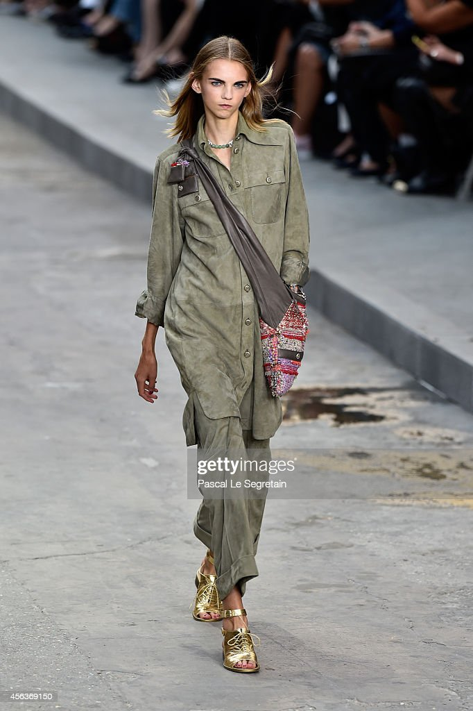 Chanel : Runway - Paris Fashion Week Womenswear Spring/Summer 2015 : News Photo