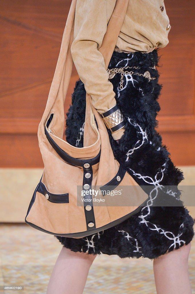 Chanel : Runway - Paris Fashion Week Womenswear Fall/Winter 2015/2016 : News Photo