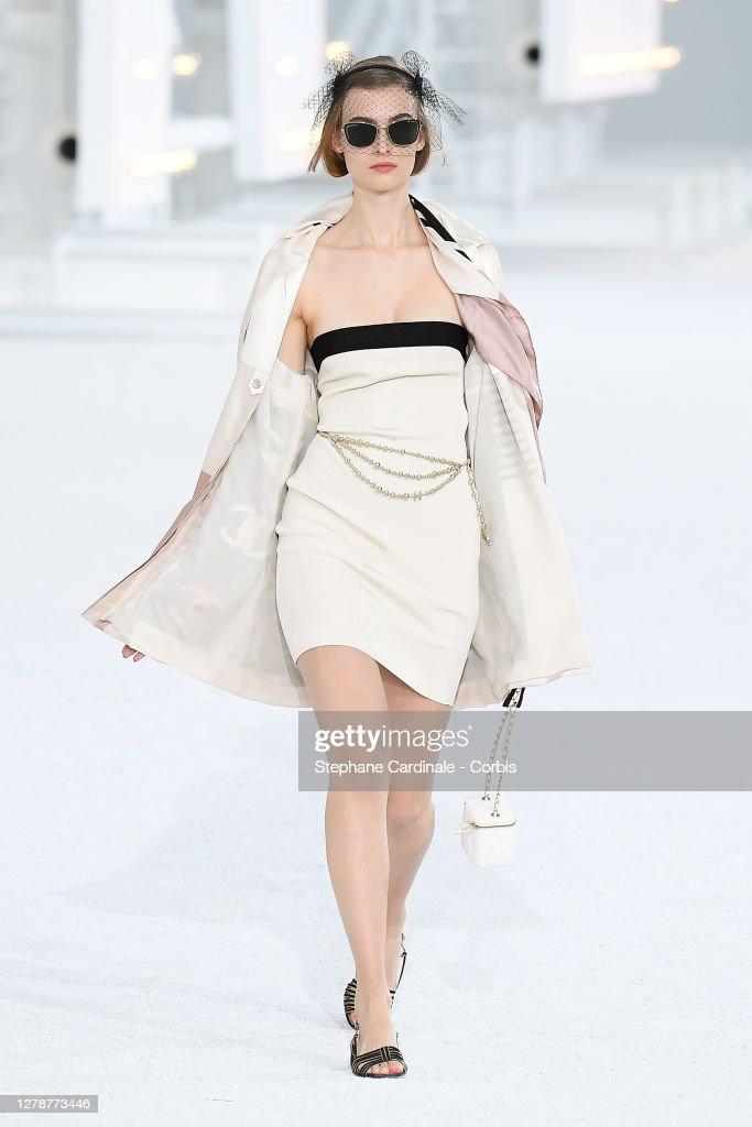 Chanel : Runway - Paris Fashion Week - Womenswear Spring Summer 2021 : News Photo