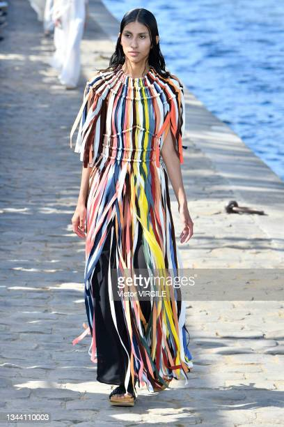 Model walks the runway during the Chloe Ready to Wear Spring/Summer 2022 fashion show as part of the Paris Fashion Week on September 30, 2021 in...