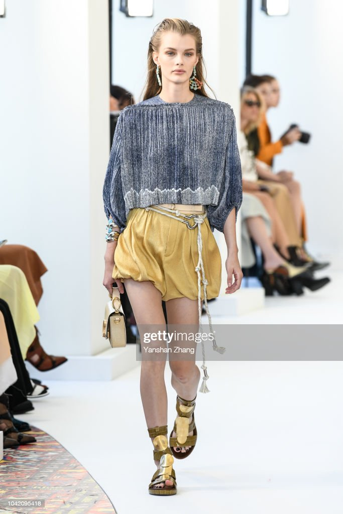 Chloe : Runway - Paris Fashion Week Womenswear Spring/Summer 2019 : ニュース写真