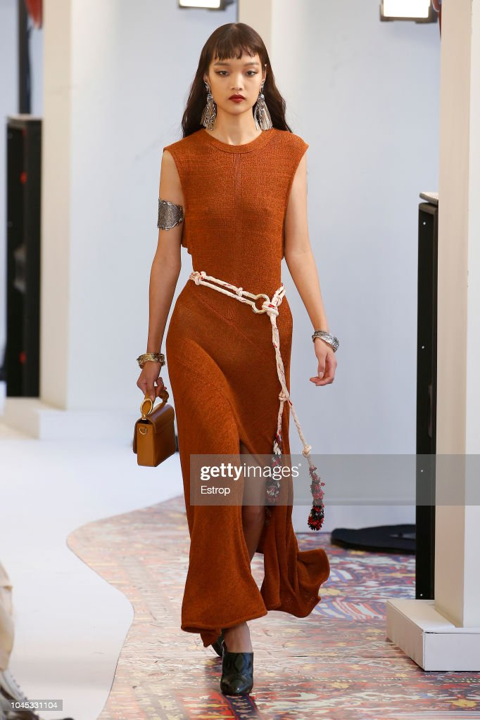 Chloe : Runway - Paris Fashion Week Womenswear Spring/Summer 2019 : News Photo