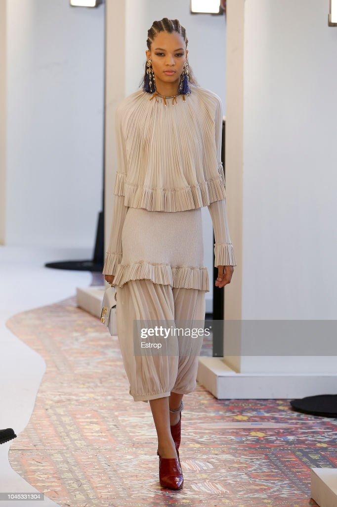 Chloe : Runway - Paris Fashion Week Womenswear Spring/Summer 2019 : ニュース写真