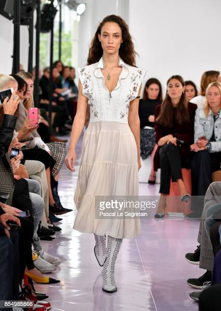 Model walks the runway during the Chloe show as part of the Paris Fashion Week Womenswear Spring/Summer 2018 on September 28, 2017 in Paris, France.
