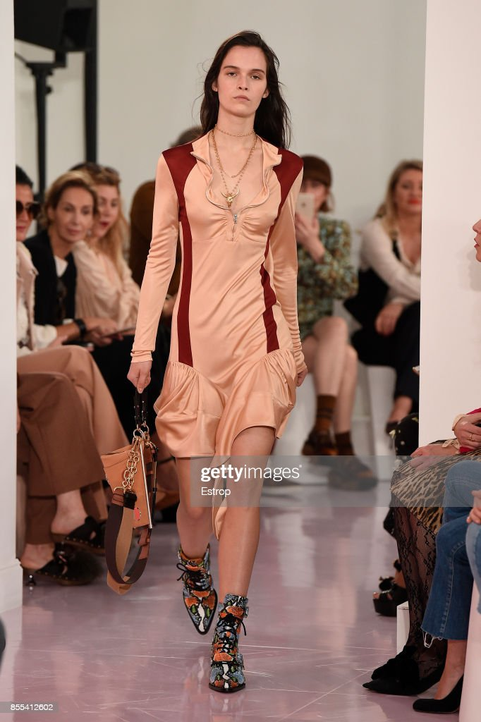 Chloe : Runway - Paris   Fashion Week Womenswear Spring/Summer 2018 : ニュース写真