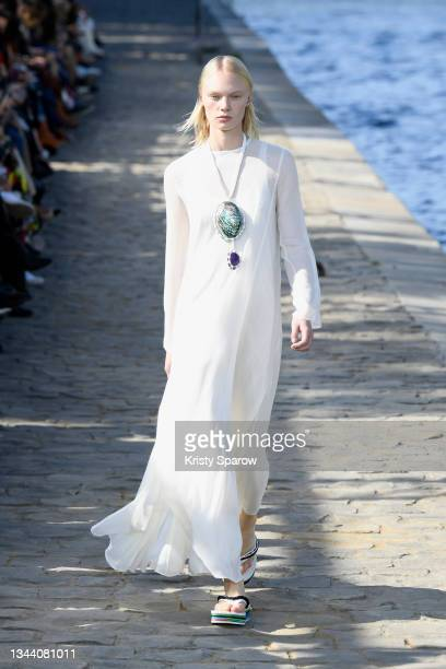 Model walks the runway during the Chloe Womenswear Spring/Summer 2022 show as part of Paris Fashion Week on September 30, 2021 in Paris, France.