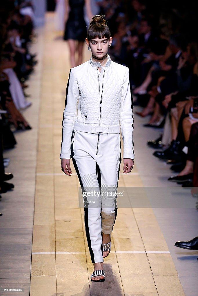 Christian Dior : Runway - Paris Fashion Week Womenswear Spring/Summer 2017 : News Photo