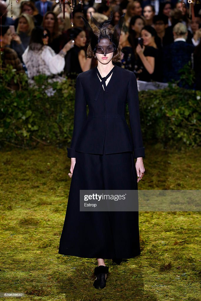 Christian Dior : Runway - Paris Fashion Week - Haute Couture Spring Summer 2017 : News Photo