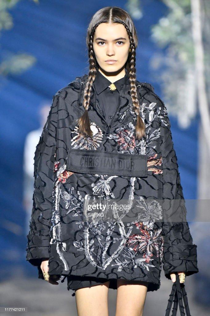Christian Dior : Details - Paris Fashion Week - Womenswear Spring Summer 2020 : News Photo
