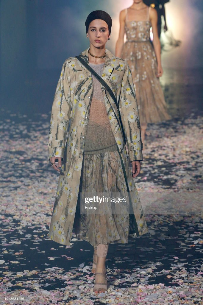 Christian Dior : Runway - Paris Fashion Week Womenswear Spring/Summer 2019 : ニュース写真