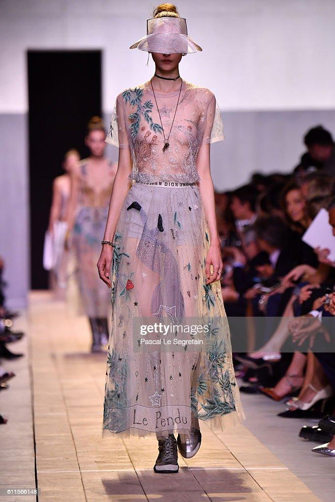 FRA: Christian Dior :  Runway Alternative Views  - Paris Fashion Week Womenswear Spring/Summer 2017