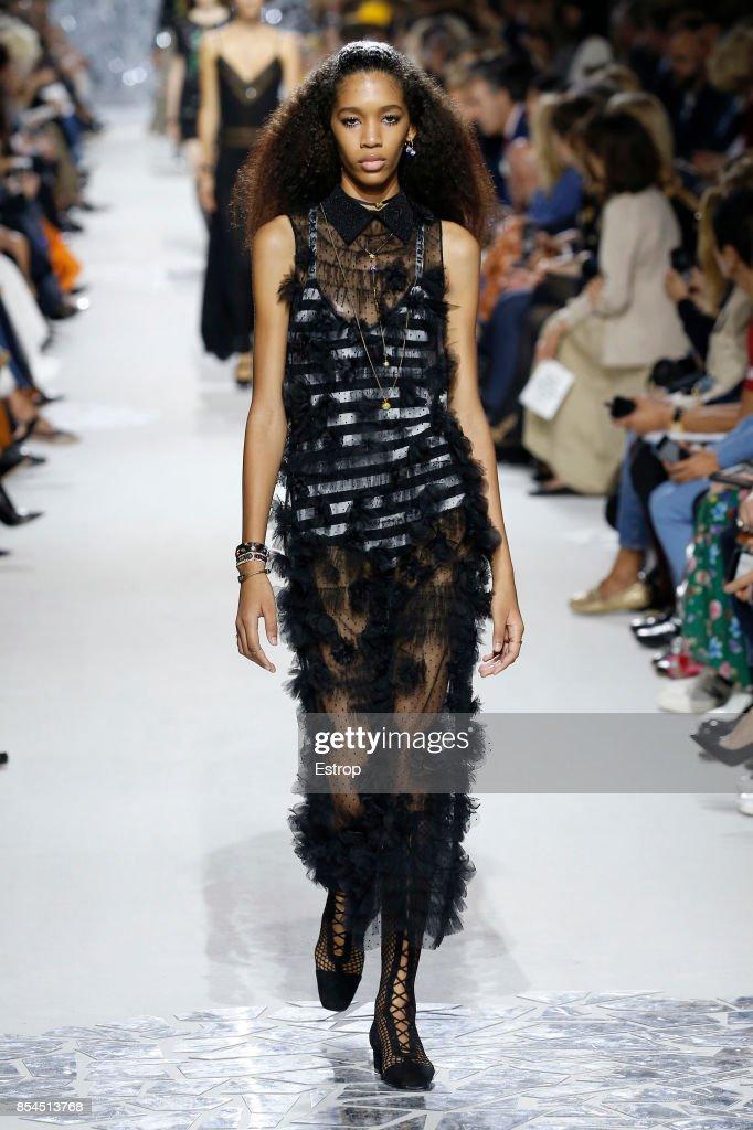 Christian Dior : Runway - Paris Fashion Week Womenswear Spring/Summer 2018 : ニュース写真