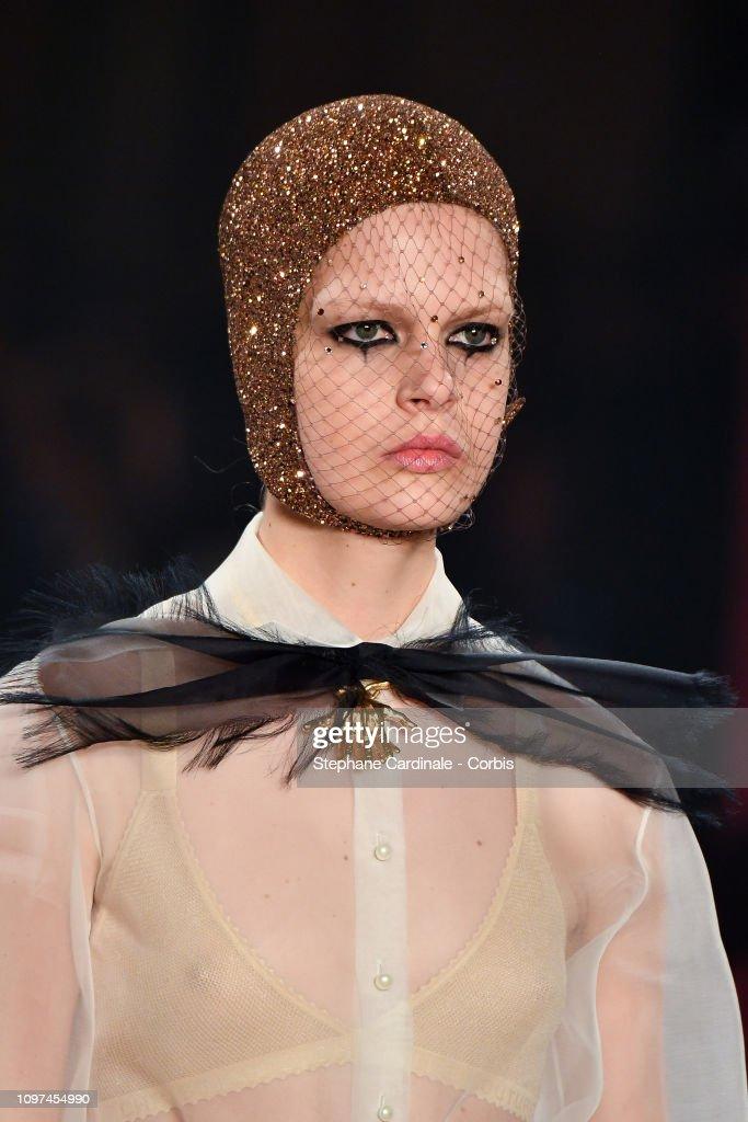 a8e98e56 Christian Dior : Runway - Paris Fashion Week -Haute Couture Spring/Summer  2019 :