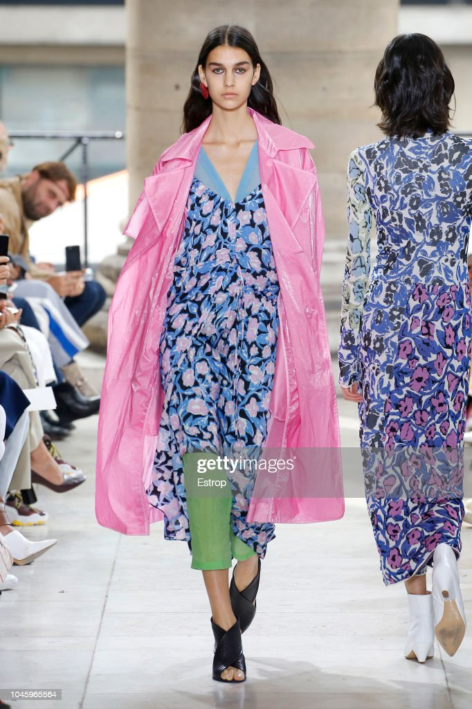 Christian Wijnants : Runway - Paris Fashion Week Womenswear Spring/Summer 2019 : ニュース写真