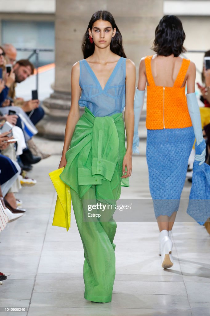 Christian Wijnants : Runway - Paris Fashion Week Womenswear Spring/Summer 2019 : News Photo