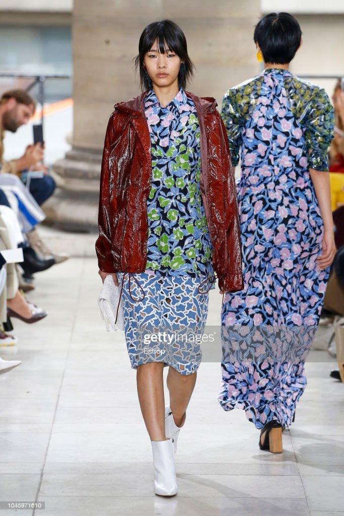 Christian Wijnants : Runway - Paris Fashion Week Womenswear Spring/Summer 2019 : ニュース写真